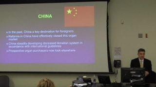 オーストラリアの学者が、中国政府による反法輪功キャンペーンを支援しているとして取り調べを受ける