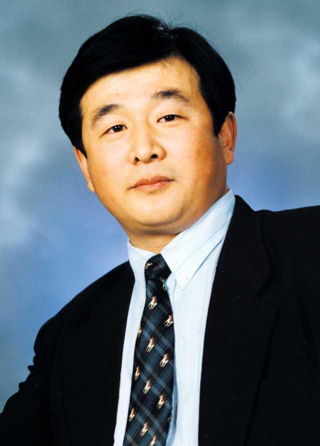 Li Hongzhi. Copyright credit: ©1999-2013 MINGHUI.ORG