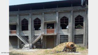 河南省の教会、建てられた直後に取り壊される