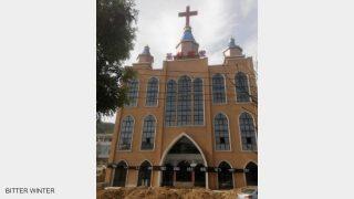 当局がキリスト教徒と村民の対立を煽る