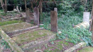 移転工事が始まる前の老宏村の墓地。