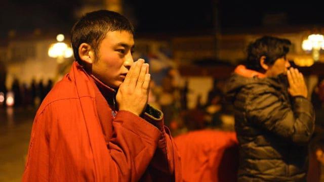 当局、チベット仏教徒に福祉手当の支給停止をちらつかせる - ニュース