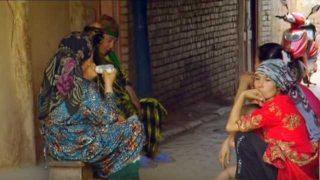 新疆の外でもウイグル人が見張られている