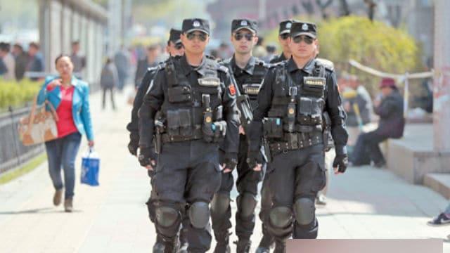 新彊全土の「安定性を維持する」ため、頻繁に特別警察が出動する。