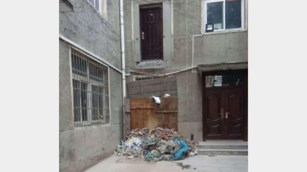 劉神父の部屋に続く階段が完全に撤去された。