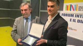 Bitter Winterのマルコ・レスピンティ理事がトリノ国際書籍見本市でメディア賞を獲得