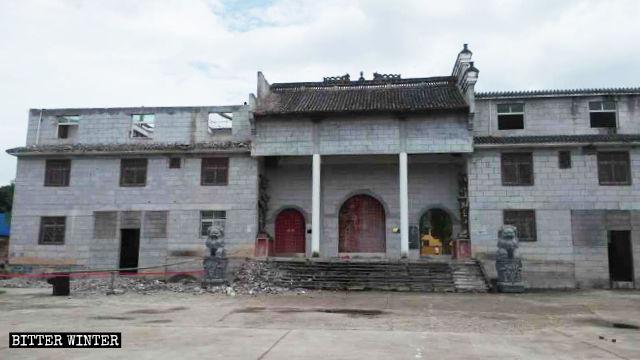改装後の疏山古刹は参拝所には見えない。