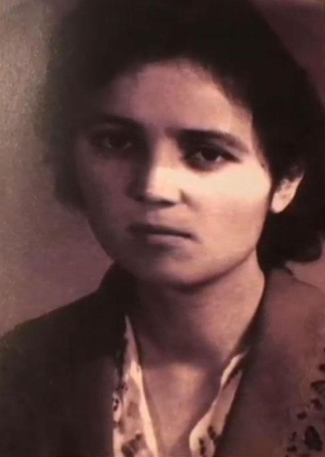 若い頃のソユングル・チャニシェフさん。新疆医科大学で医学を学んでいた1963年に撮影。