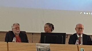 (左から)CESNUR会議で中国での宗教弾圧について話し合うJ. ゴードン・メルトン氏、ホリー・フォーク氏、マッシモ・イントロヴィーニャ氏。